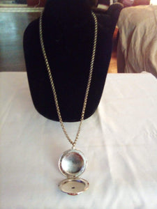 Silver tone locket necklace - B&P'sringsnthings