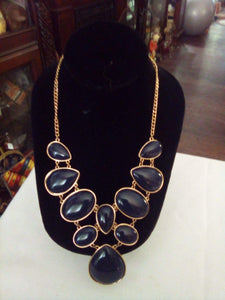 Stunning black large piece necklace - B&P'sringsnthings