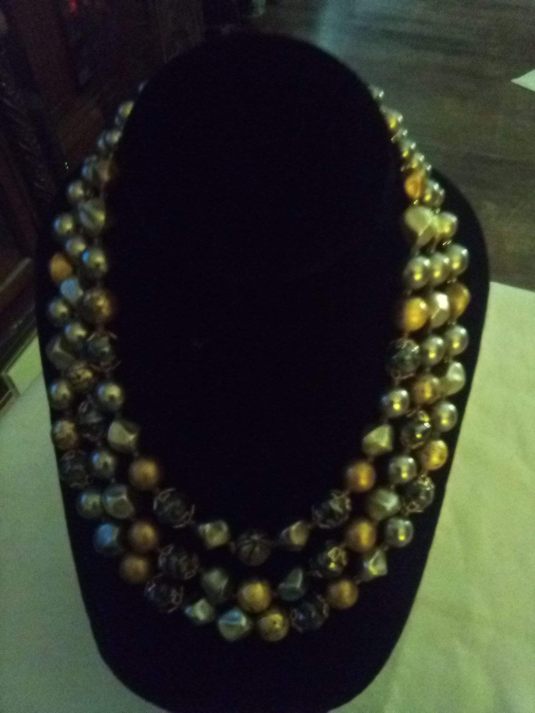 Unusual gold and silver tone necklace - B&P'sringsnthings