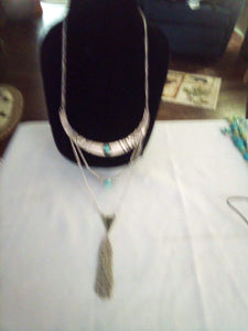 Unusual silver tone necklace - B&P'sringsnthings