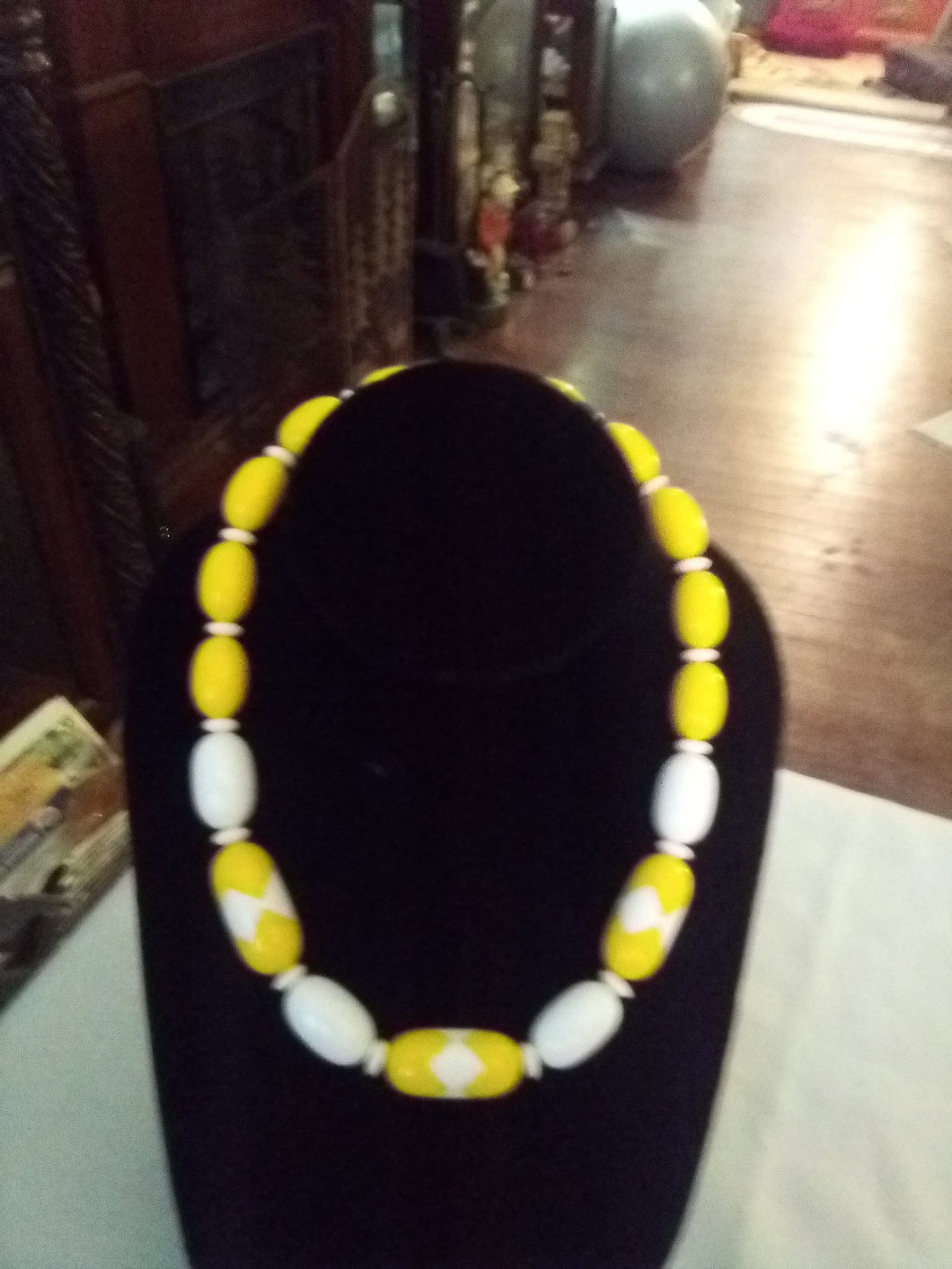 Yellow beaded choker necklace - B&P'sringsnthings