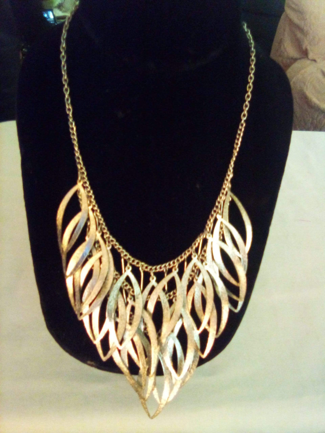 Creative silver tone necklace - B&P'sringsnthings