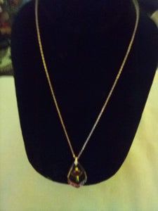 Nice long gold tone chain with pendent - B&P'sringsnthings