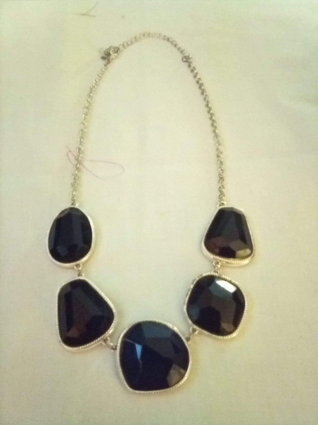 Pretty necklace with black design - B&P'sringsnthings