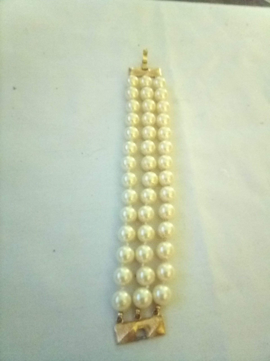 Monet marked pearl like 3 tier bracelet - B&P'sringsnthings