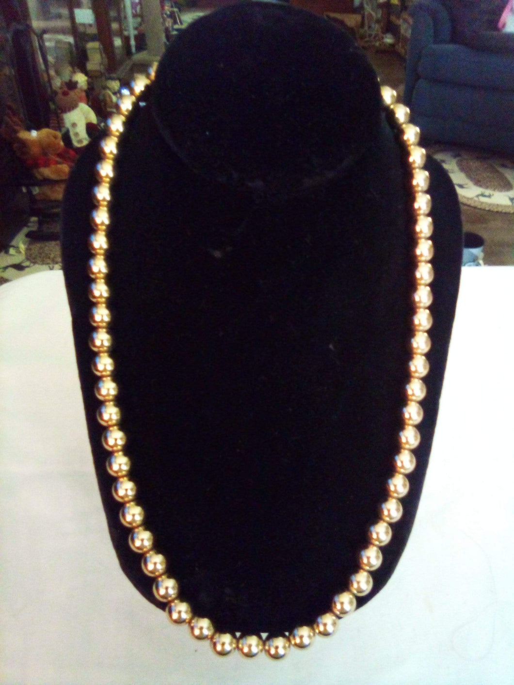 Monet marked gold tone beaded necklace - B&P'sringsnthings
