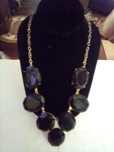 A vintage black dressy necklace - B&P'sringsnthings