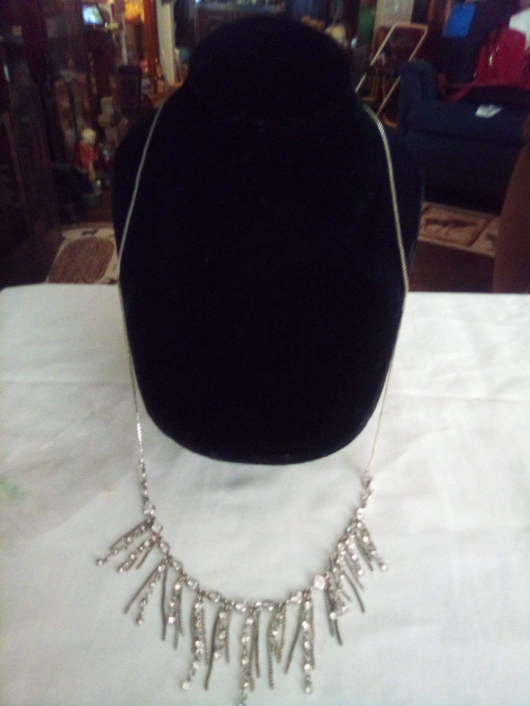 A vintage dressy necklace - B&P'sringsnthings