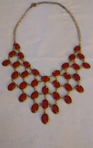 A vintage goldtone necklace with red settings - B&P'sringsnthings