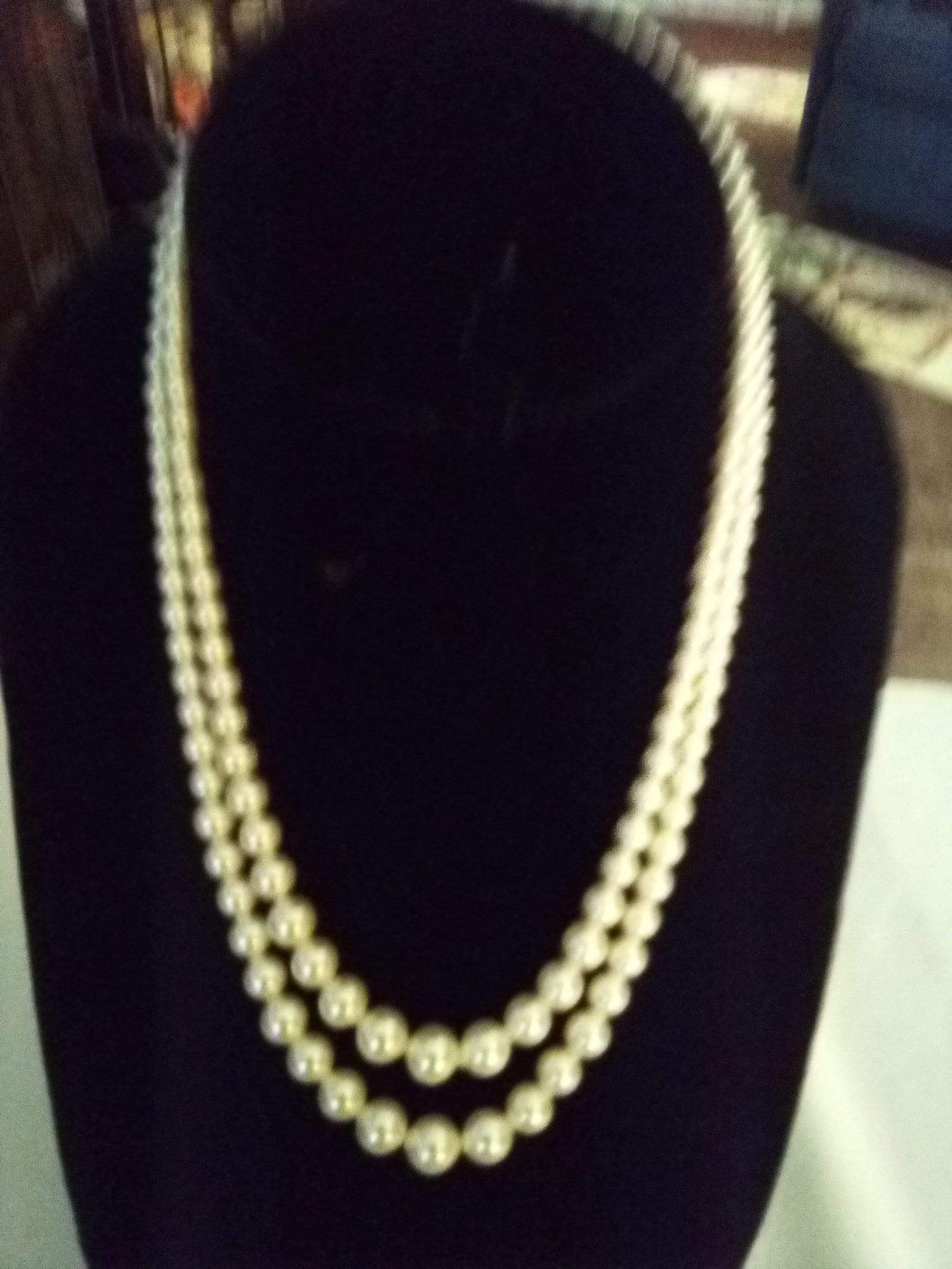 Beautiful pearl like necklace with Sterling clasp - B&P'sringsnthings