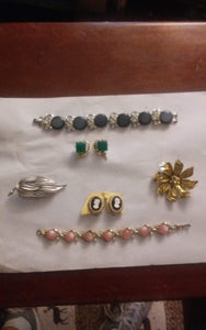 Coro marked vintage jewelry lot - B&P'sringsnthings