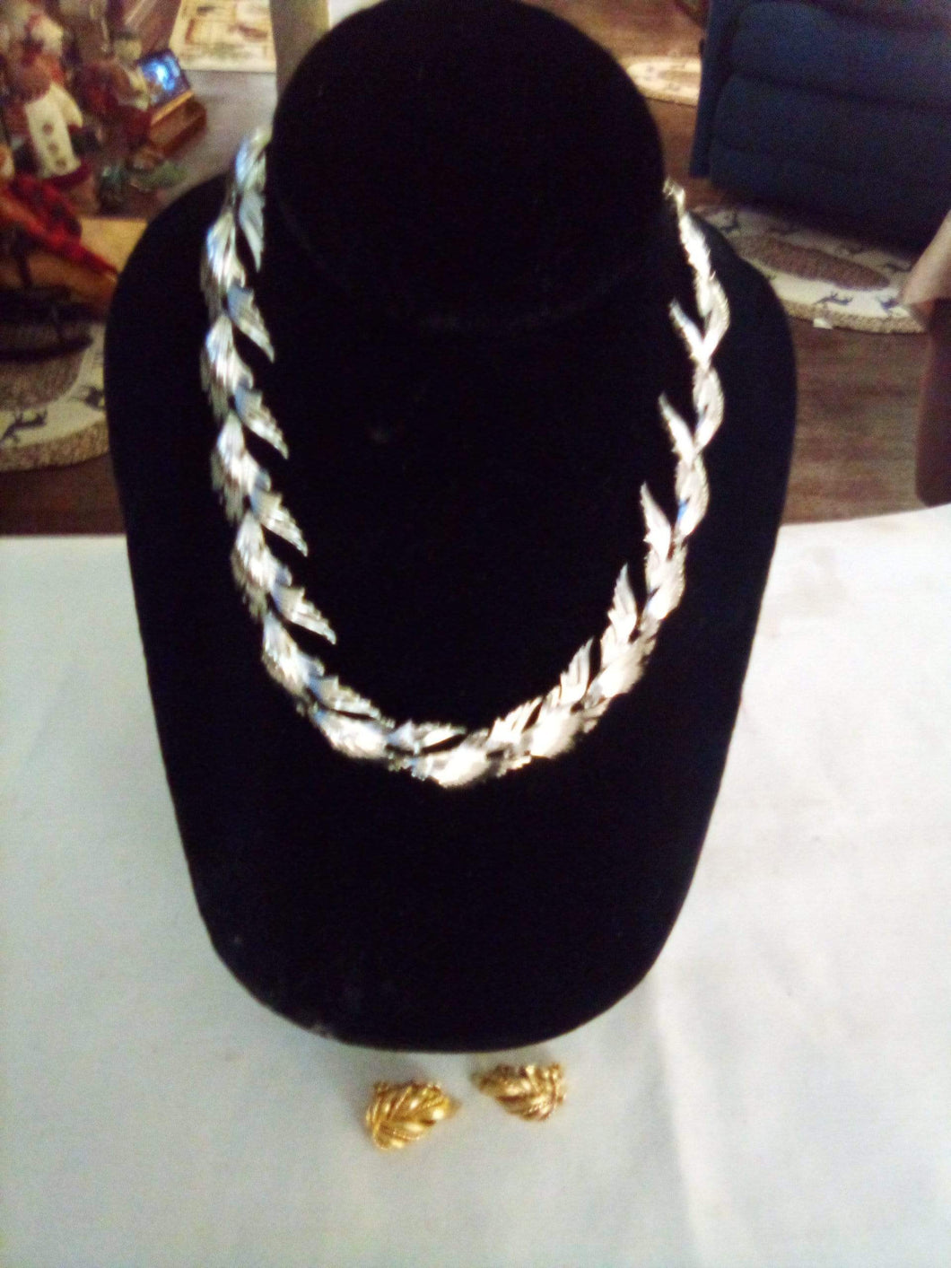 Lisner marked earrings and necklace - B&P'sringsnthings