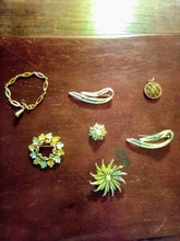 Load image into Gallery viewer, Sarah Coventry marked jewelry lot - B&P'sringsnthings