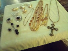 Load image into Gallery viewer, Sarah Coventry marked vintage nice lot - B&P'sringsnthings