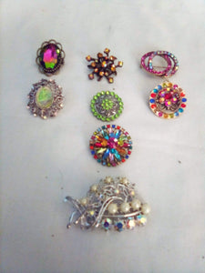 Vintage and colorful broach lot - B&P'sringsnthings