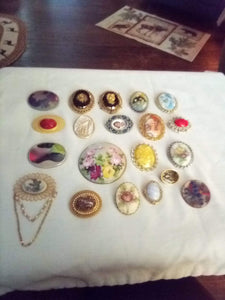Vintage lot of broaches - B&P'sringsnthings