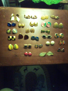 Vintage lot of pierced earrings - B&P'sringsnthings