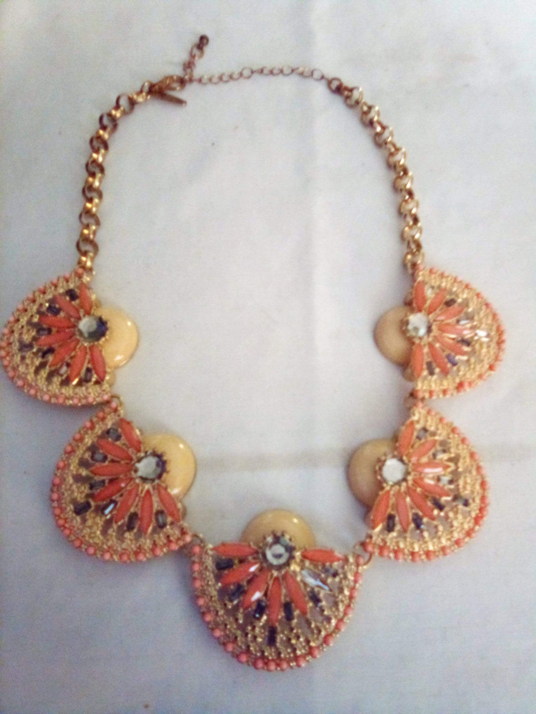 Vintage bright and colorful necklace - B&P'sringsnthings
