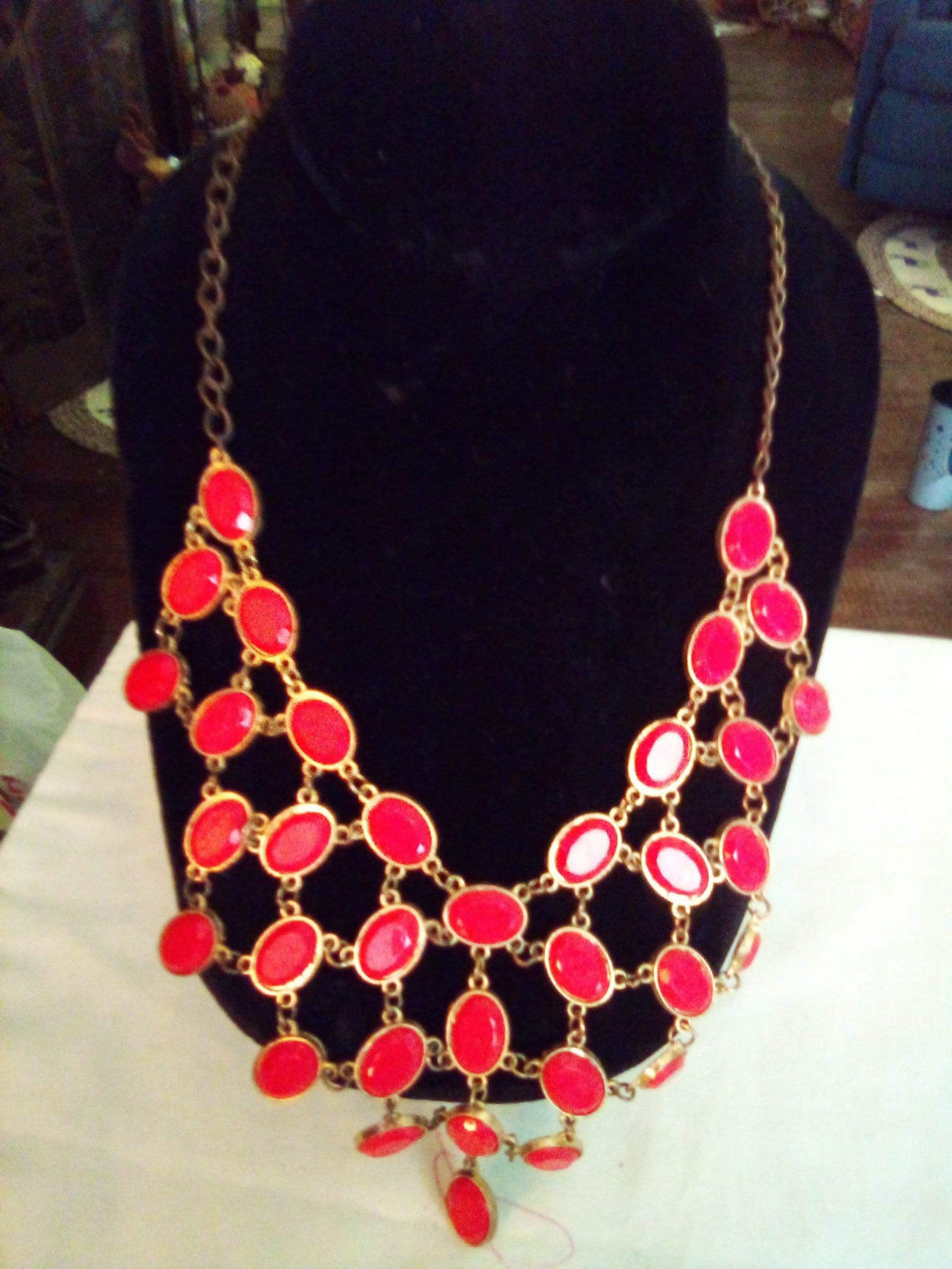 Vintage dressy necklace with red design - B&P'sringsnthings