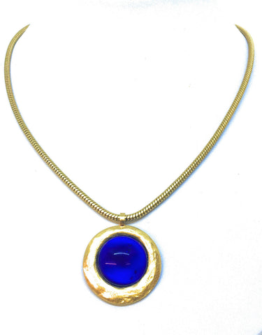 Gubo Silvereye Necklace with sapphire blue cabochon
