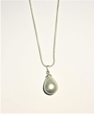 Gubo Glass Pearl Necklace - White