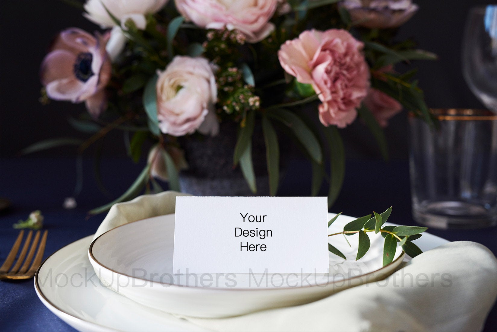 Table card mockup W02_17