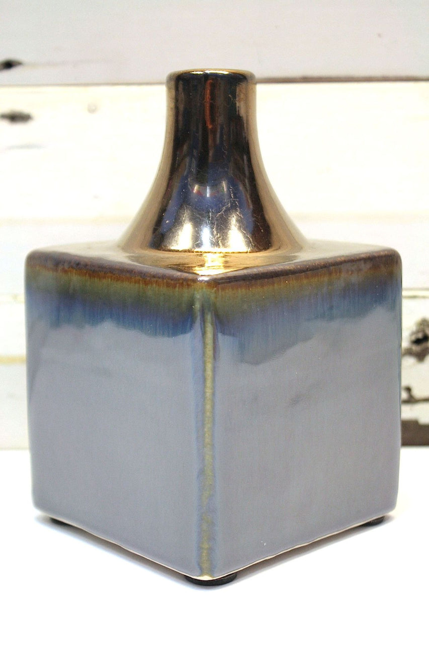 Sheen Square Vase  -----------------     (WAS $39.00 - NOW $23.40)