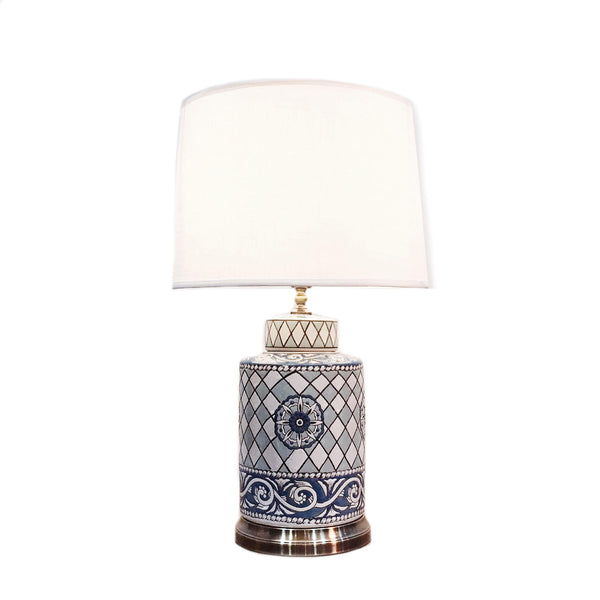 Cylindrical ceramic table lamp with patterns