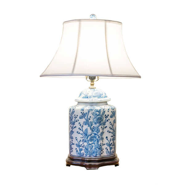 Oval scalloped-shape porcelain table lamp
