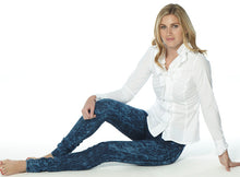 Load image into Gallery viewer, Glastonbury Elite Wizard Jeans - acid wash, skinny cut and regular rise