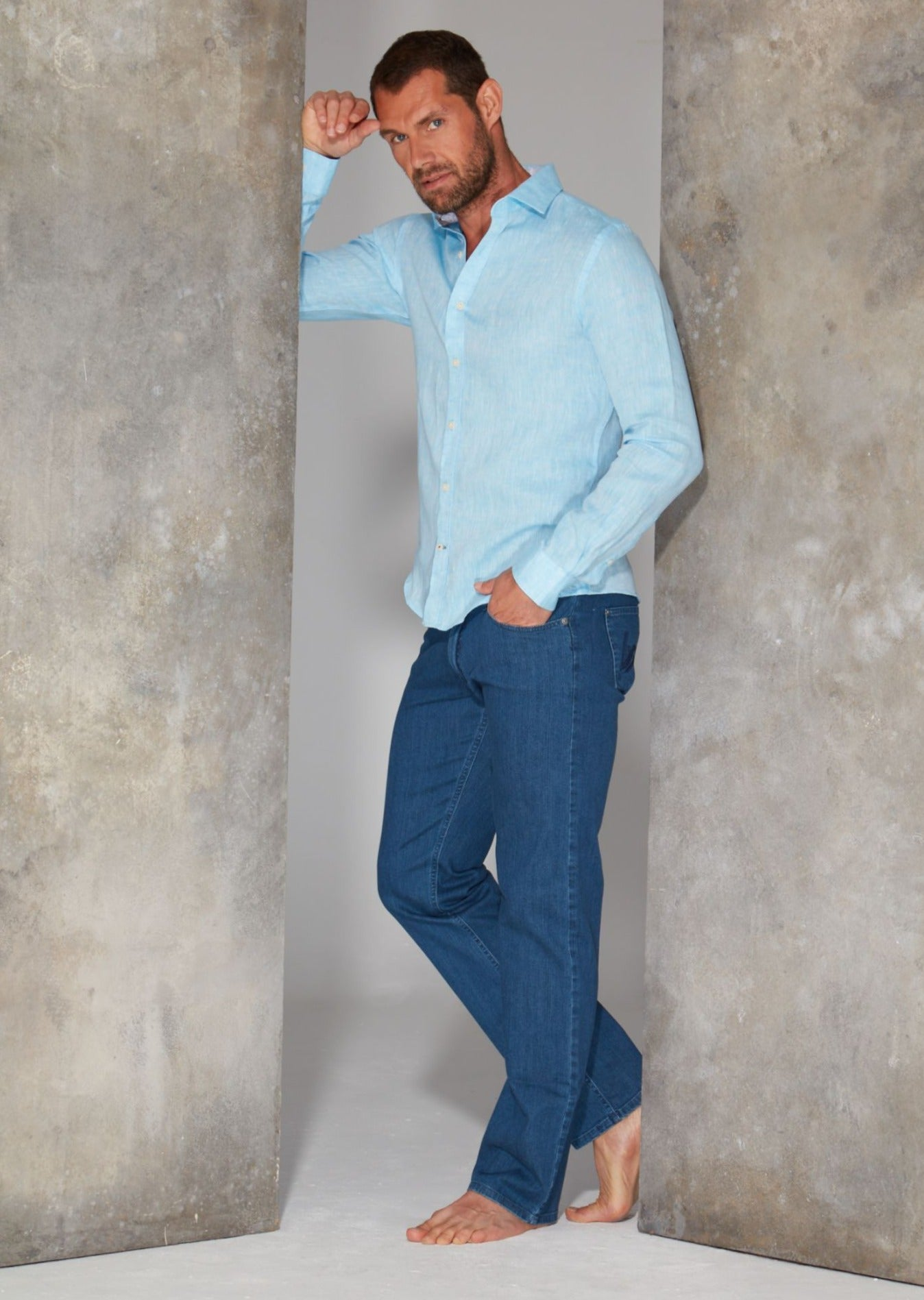 Mens Straight Leg Jeans in Stonewashed Blue