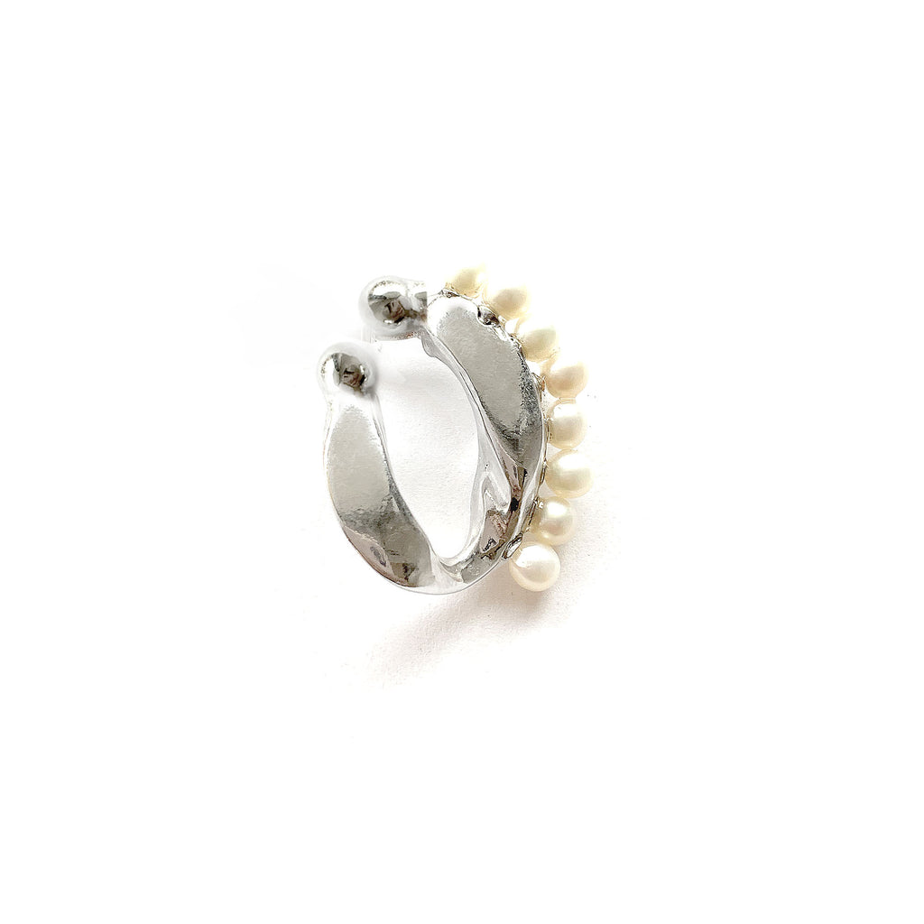 LARGE CHAINLINK PEARL CONCH CUFF