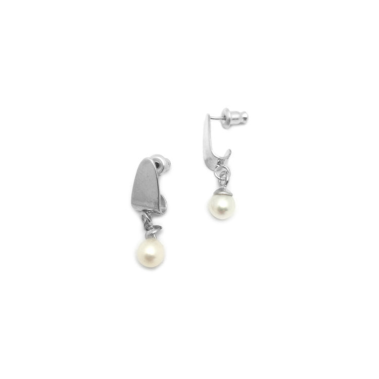 The Pearl Hoisted Earrings (pair)