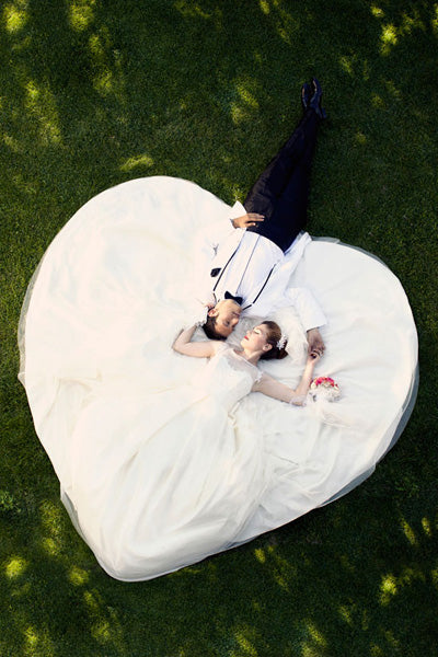 Fun Wedding Poses Make The Memories Even Brighter Check Out This List Of Awesome