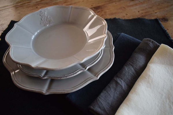 Regina - Ceramic Scalloped Dinner Set