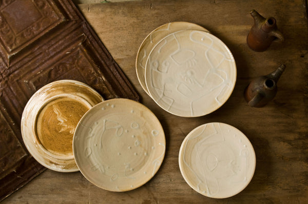 Embossed Ceramic Dinner Set