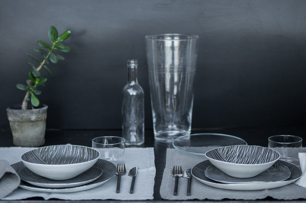 Linee - 5-Piece Porcelain One-of-a-kind Dinnerware