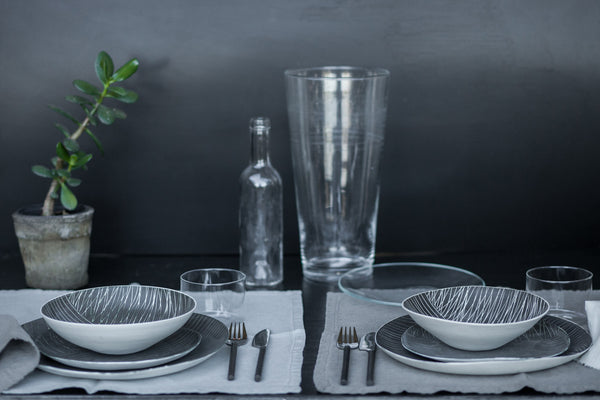 Linee - 5 Piece Porcelain One-of-a-kind Dinnerware