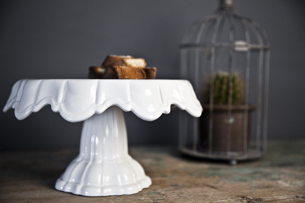 Easy-Chic White Ceramic Cake Stand