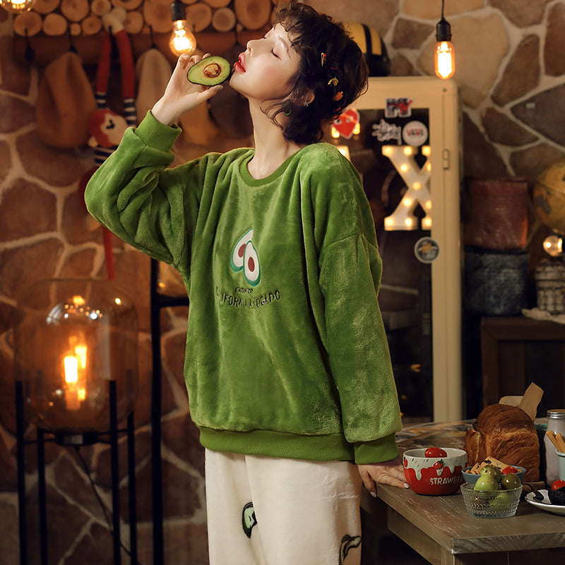 Plus Size Kawaii Avocado Print Pajamas Set AHA210298