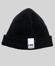 Laden Sie das Bild in den Galerie-Viewer, KDK Beanie black