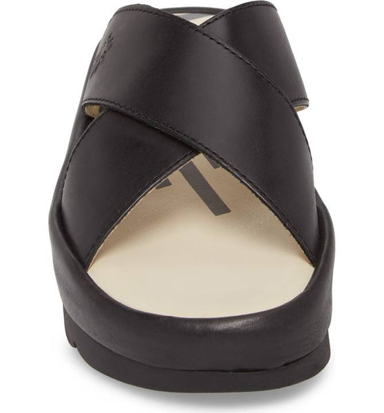 Begs Leather Sandal | Black