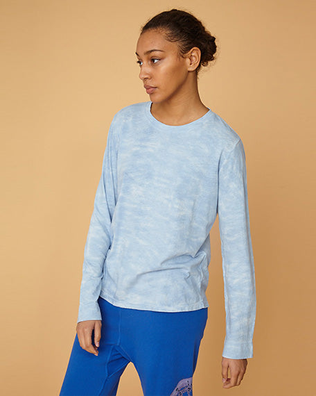 Long Sleeve Crew Neck Tie Dye | Baby Blue