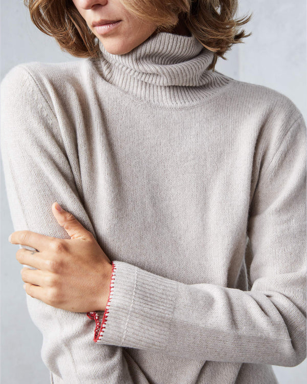 Cashmere Turtleneck with Red Thread | Sand