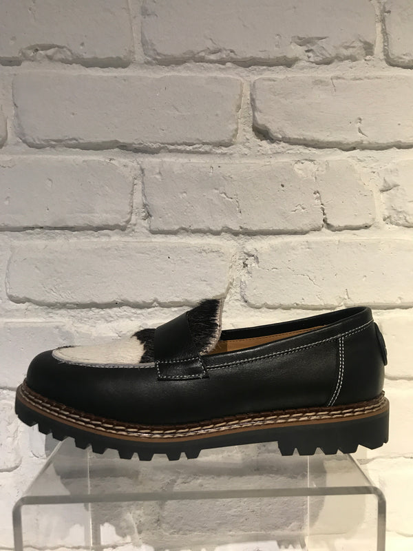 Interlaken Loafer | Black & White