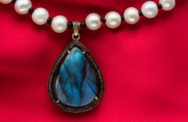 Pearl Beaded Necklace with Labradorite and Diamonds Pendant