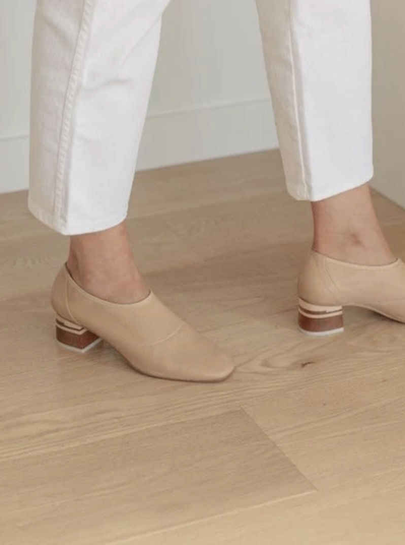 Euclid Stretch Leather Heel | Camel