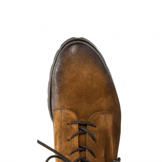 Dobbs Lace Up Boot | Camel Suede