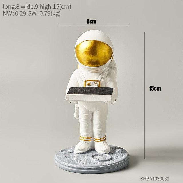 Moments Saver - Space Man Artistic Figurines