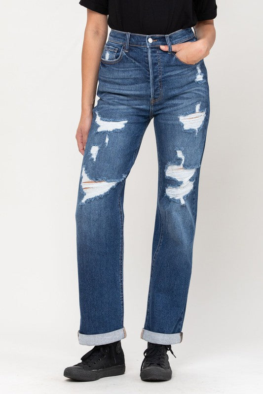 Cello high wasit destroyed dad jeans in a dark wash. Omg...how cute are these jeans? Super cute and so comy! Pairs perfectly with a basic tee or a trendy dressy top.